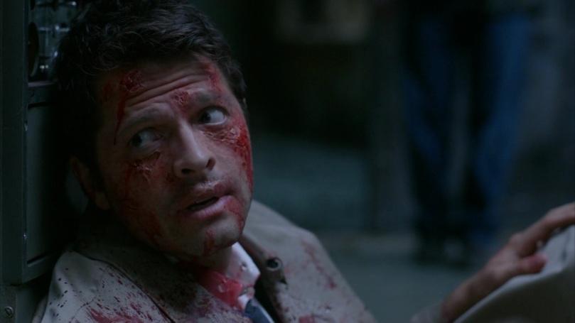 一臉無力卻依然努力跟 Dean 道歉的 Castiel