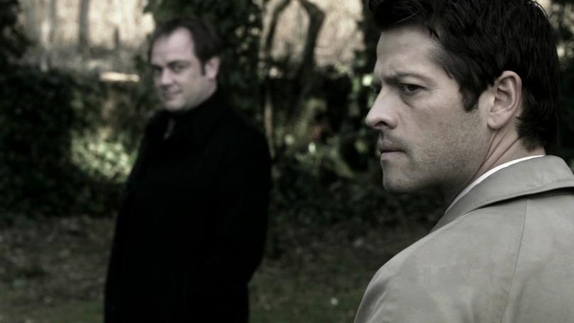 因為無法開口拜託 Dean,只能轉而投向 Crowley 的 Castiel