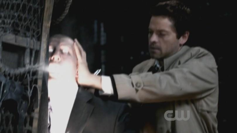 出人意表跑出來英雄救美的 Castiel