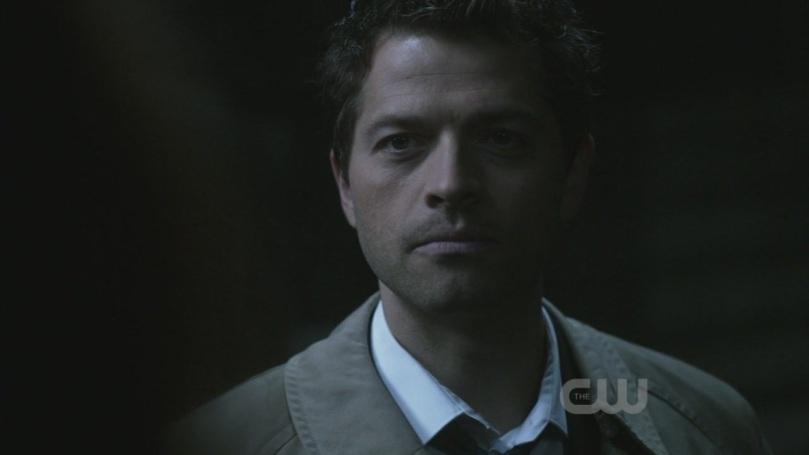 快點告訴我你拿那把刀是想要對 Dean 他們打什麼歪主意!