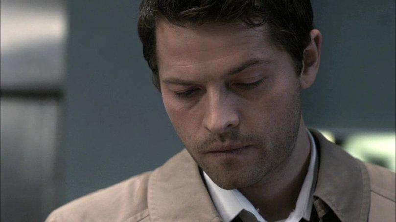 我真的覺得挑起一邊眉毛的 Castiel,眉眼看起來特別好看