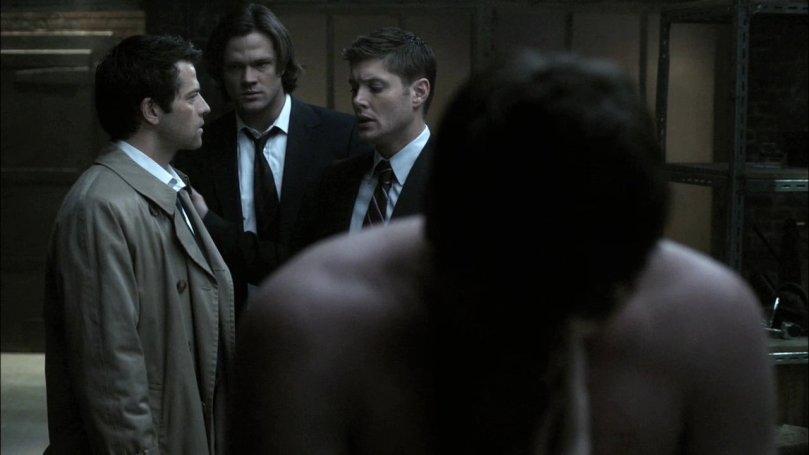 Castiel: Dean 你這沒良心的傢伙,居然推我去火坑...