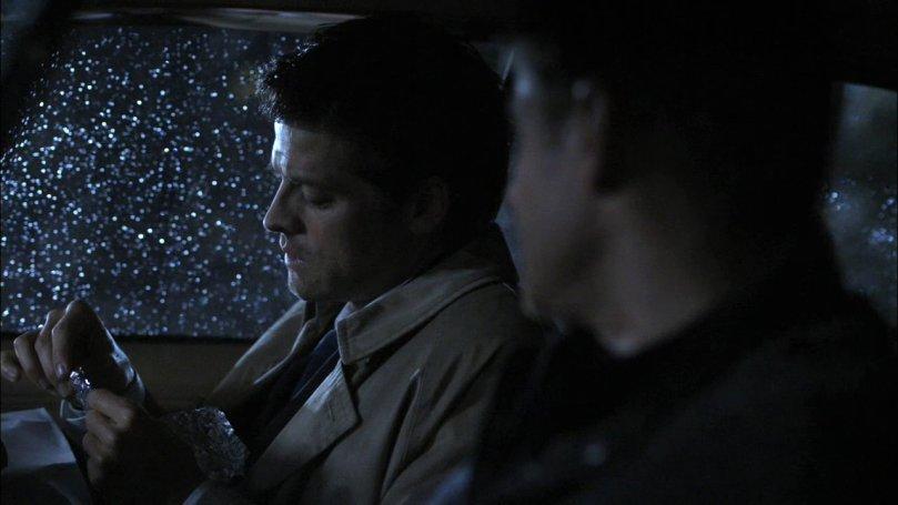 Dean: 你這小子到底是夠了沒啊?我說你這是在吃漢堡還是在談戀愛啊?