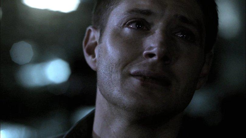 獨自一人在外頭脆弱掉淚的 Dean