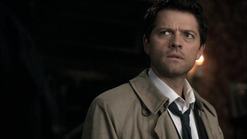 Castiel 用眼神告訴 Dean:就算你用眼神問我我也不會知道這是怎麼一回事好不好。