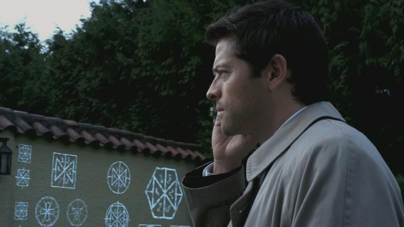 被以諾克符咒擋在牆外的 Castiel