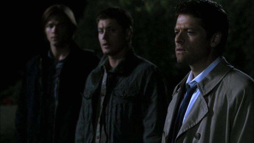 Dean: 寶貝,我剛講笑話你都沒在聽,你在發甚麼呆啊?我們現在是要去找你朋友又不是男朋友...