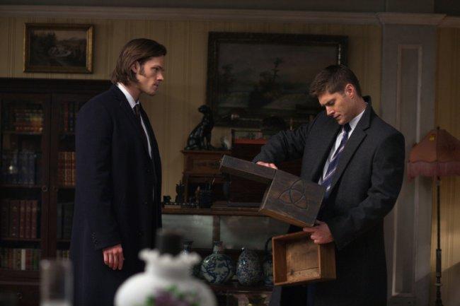 穿大衣的 Dean 和 Sam,我覺得他們穿大衣的樣子真的很帥氣!