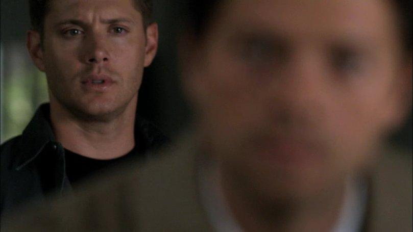看著 Castiel 沒精神的背影,Dean 的擔心跟不捨全寫在臉上,寶貝你為什麼有心事不告訴我?