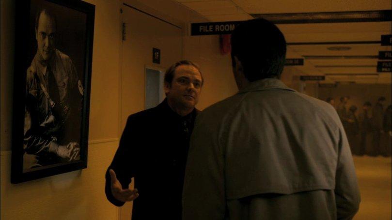 Castiel:我不准你去找 Dean,他已經退休了,不可以打擾他的生活