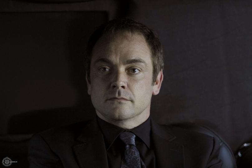 好久不見的 Crowley,怎麼又跟 Winchesters 打對台啊?