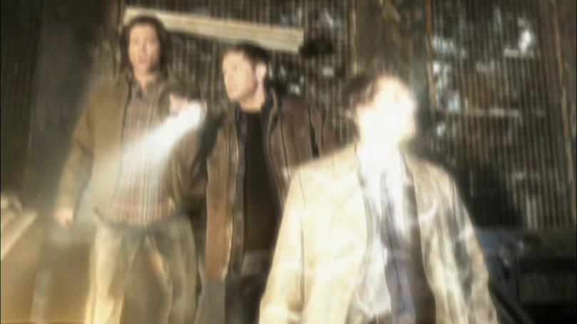 不過下一秒鐘就被 Samuel 給打出去,Castiel 身上的光影做得真漂亮!