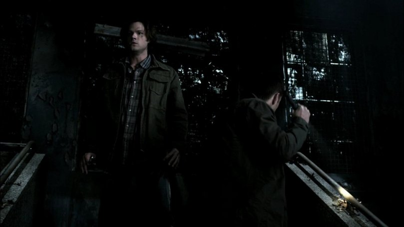 Dean: Cas! Cas!(只有他一個人緊張到不行的四處找 Castiel 的行蹤)