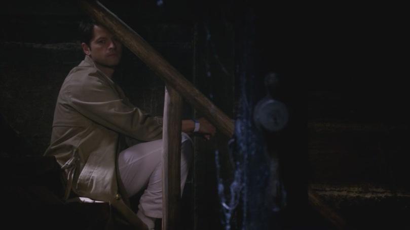 坐在角落自責又哀傷看著 Bobby 被 Winchesters 燒死的 Castiel,落寞的神情讓他那雙眼睛變得更加美麗