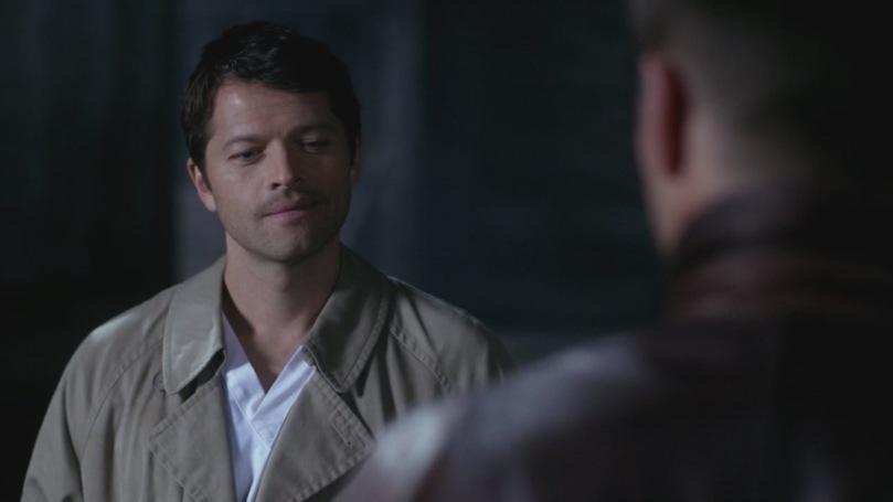 清醒之後一直活在內疚與自責當中的 Castiel,第一次露出這麼真誠的笑容,他跟 Dean 之間的關係,似乎露出了一點曙光