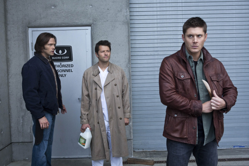 Sam, Castiel, 以及 Dean Winchester