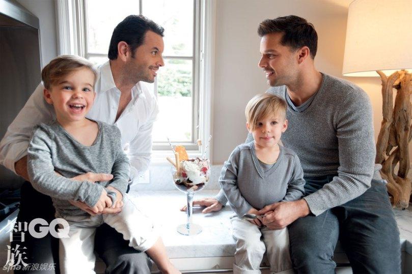 Ricky Martin 與他深愛的另一半 Carlos Gonzalez Pose 還有可愛至極的雙胞胎兒子