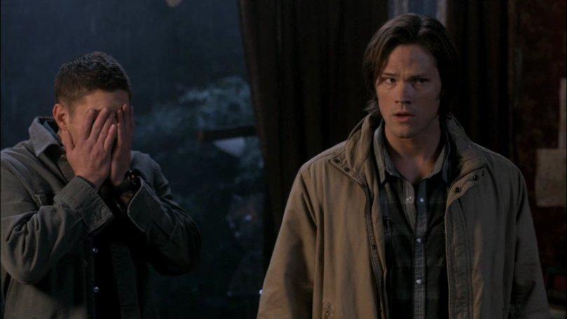 Dean:死 Cas!死 Cas!死 Cas!你到底是在搞甚麼鬼啦!