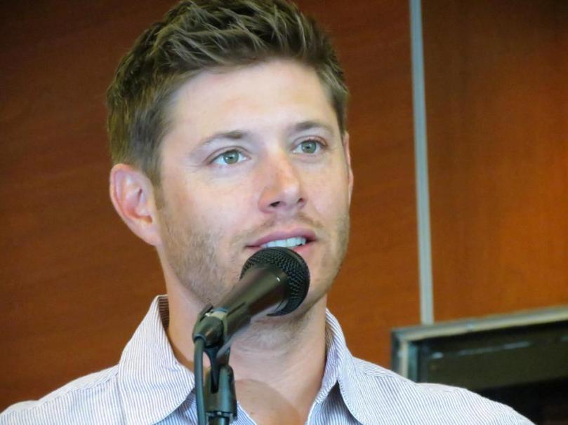 好吧...Cas 寶貝你就繼續愛你的 Dean 好了,我想他會好好照顧你的。