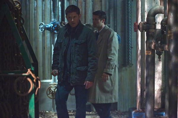 後來 Castiel 的狀況感覺就不是很好,他的靈魂根本就出竅了吧?