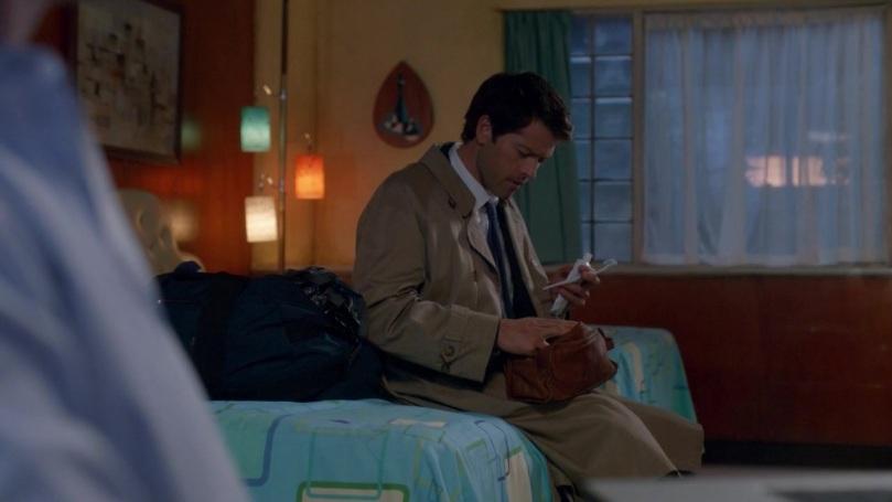 我會留在這裡跟你們在一起,哪裡也不去。(完全沒聽懂 Dean 的暗示)