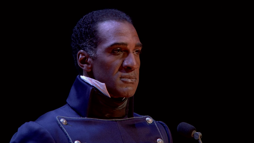 Norm Lewis 演出正直又嫉惡如仇的警官 Javert 時那帥氣高貴模樣