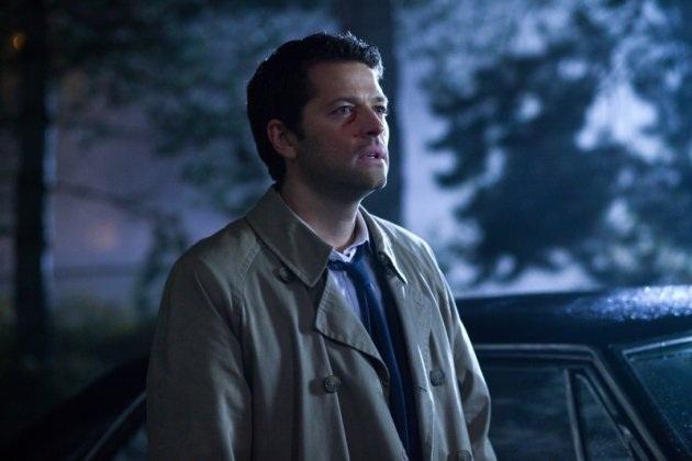 眼睛附近有點受傷的 Castiel,怎麼感覺應該是被 Crowley 打傷的?