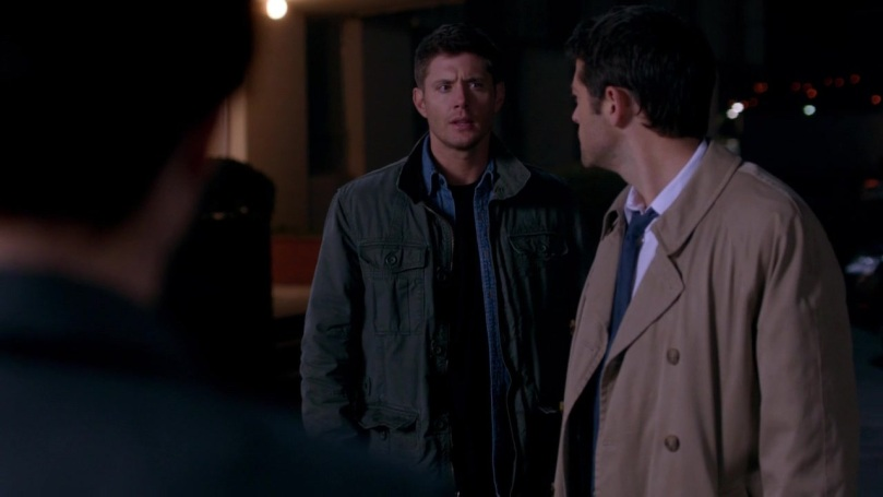 Castiel 居然很火大的抱怨 Dean 是聽他的還是要聽這個女人的,Dean 卻是一副聽一下就好嘛的表情