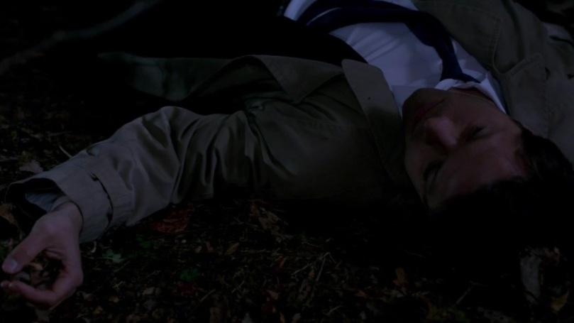 但變成凡人的 Castiel 已經聽不見 Dean 喊他的聲音
