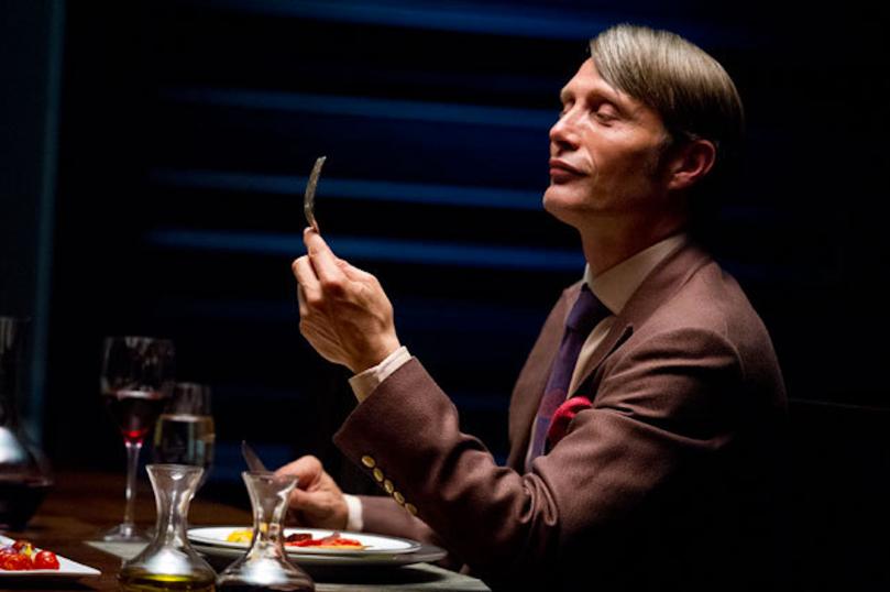 您瞧瞧!Hannibal 吃人的表情真的是好幸福來著的啊!
