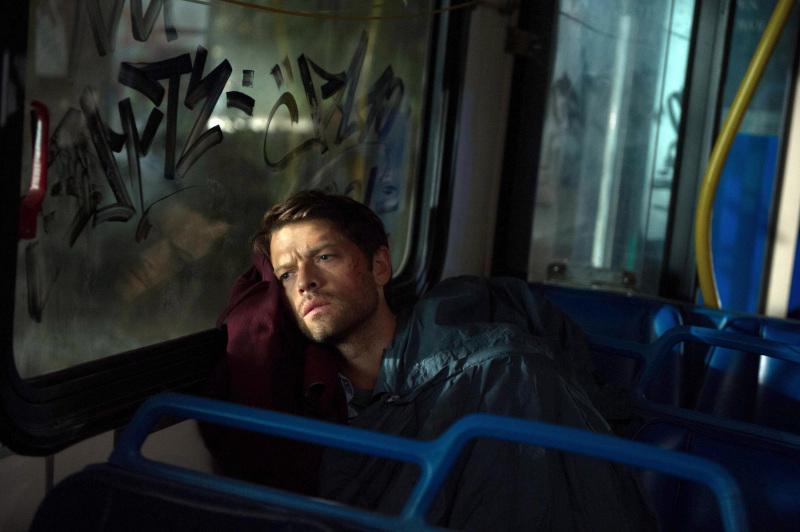 睡在公車裡面的 Castiel 心裡想著什麼呢?