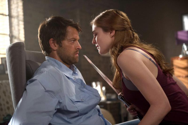 被美女綁在椅子上玩 S&M 的 Castiel