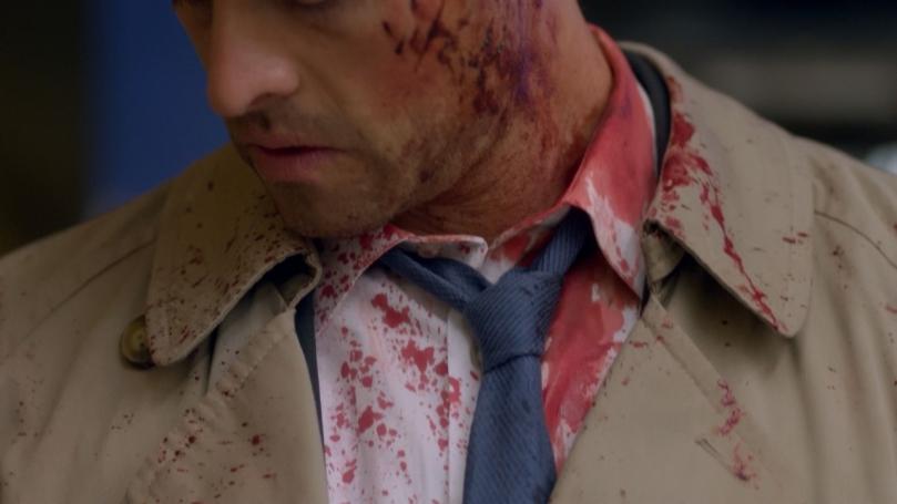 9x01 Trenchcoat 的血跡