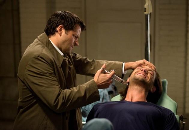打針跟被打針的人都一臉痛苦,看得我也好痛啊!