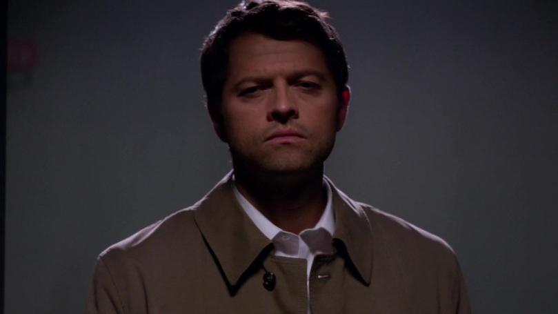 從暗處走進來,臉色十分陰沈冷酷的 Castiel