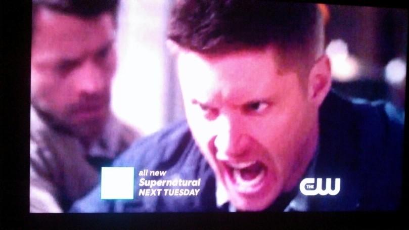 Castiel 感覺上是抓著 Dean 吧?