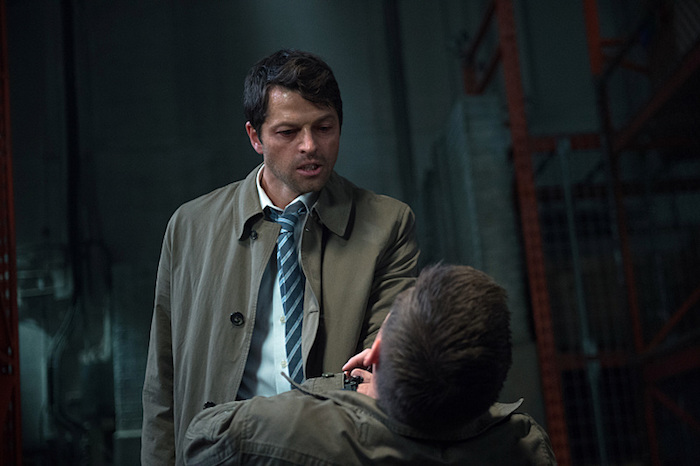 一下子不受控制的 Castiel ,但是我想 Dean 只要叫個兩聲 Cas 應該就會醒了