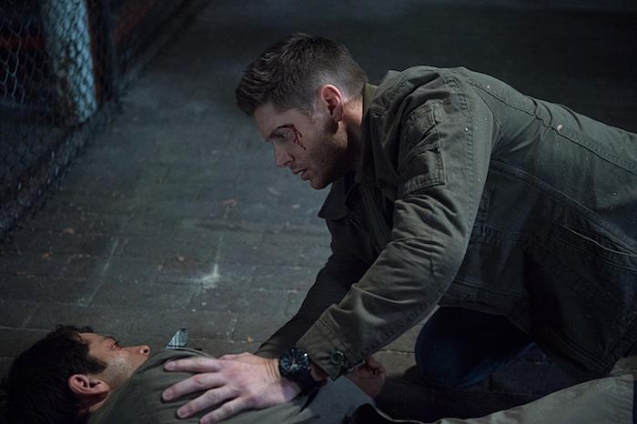 Dean 看到 Castiel 這模樣大概又要在心裡慘叫了,話說回來我本來期待 Dean 可以把 Castiel 攬(抱)上車的說